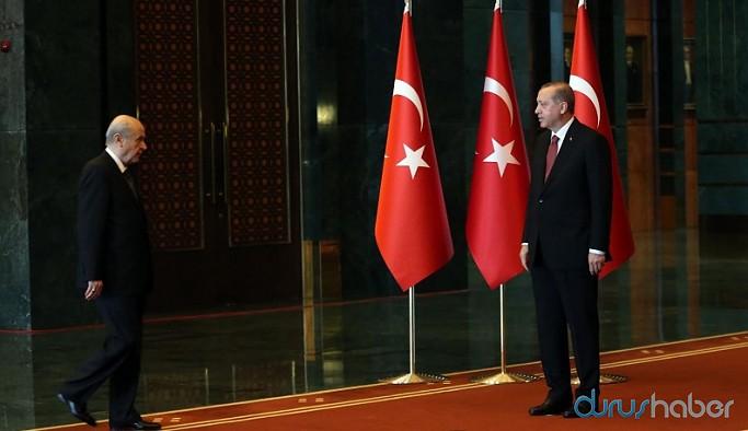 Erdoğan ve Bahçeli farklı isimleri istiyor: AKP Genel Başkanlığı için kimlerin ismi geçiyor?