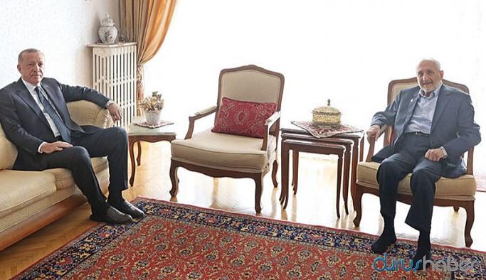 Selvi: Sadece Erdoğan değil, kısa bir süre önce AK Parti'nin iki önemli ismi Asiltürk'ü ziyaret etmiş