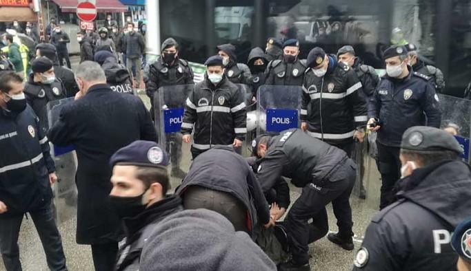 Bursa'da Boğaziçi Üniversitesi'ne destek eylemine polis müdahale etti: 19 gözaltı