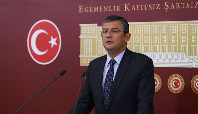 CHP'li Özel'den 'bir HDP'li Gare'ye gitti' iddiasına yanıt: Soylu, kamuoyunu trollüyor gidiyor