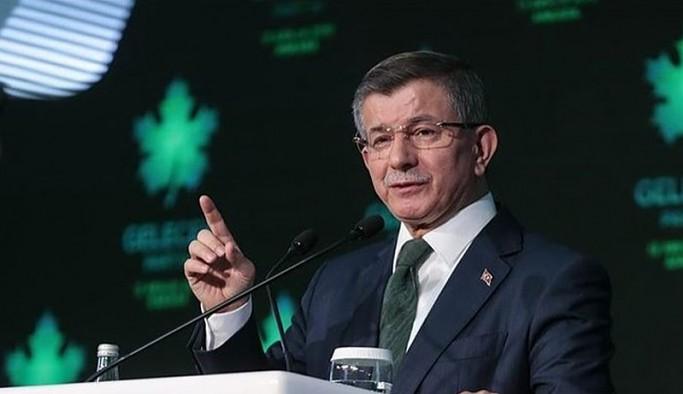 Davutoğlu: Türkiye'de 'tek adam' yönetimi yok, iki buçuk adam yönetimi var