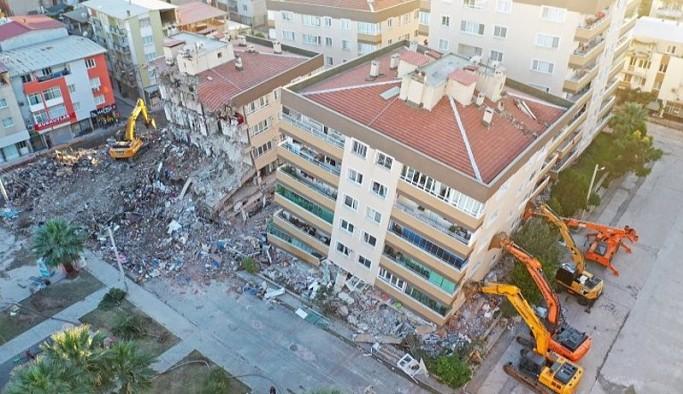 Depremzedelerden yardımların iadesini isteyen AFAD geri adım attı