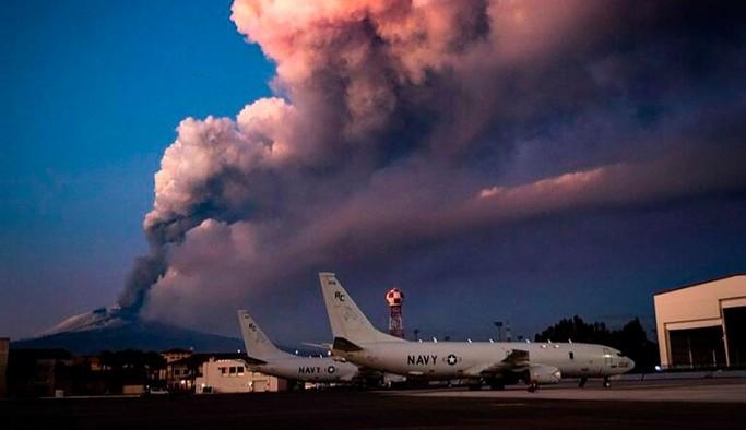 Etna Yanardağı bir kez daha patladı