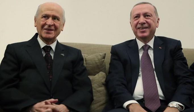 HDP'yi Meclis dışı bırakma formülü: Kapatma yerine 'dokun'