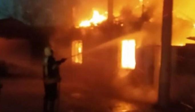 İşçilerin kaldığı lojmanda yangın: 1 ölü, 2 yaralı