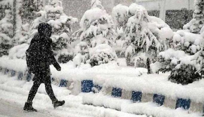 İstanbul'un da aralarında olduğu çok sayıda ilde kar nedeniyle eğitime ara verildi