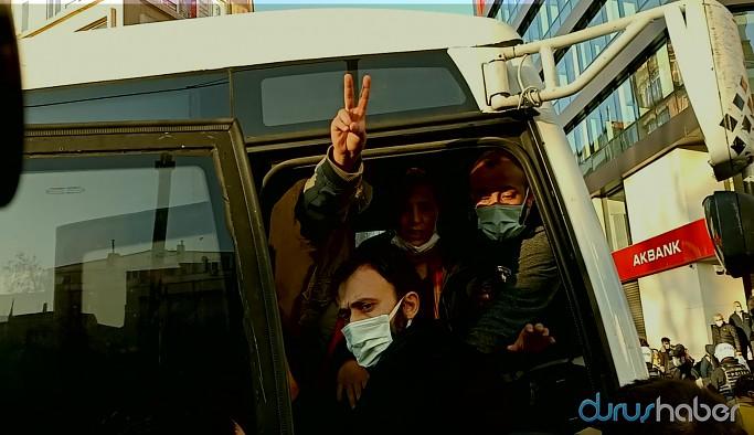 Kadıköy'de darp edilen vekiller gözaltına alınmak istendi
