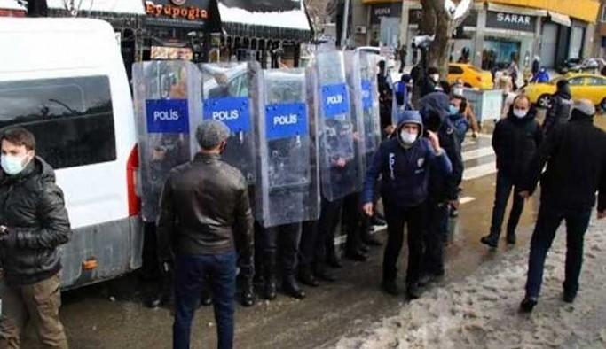 Kadınlar 'saklı kalmayacak' dedi, taciz ve şiddet eylemlerinin faili olan polisleri ifşa etti