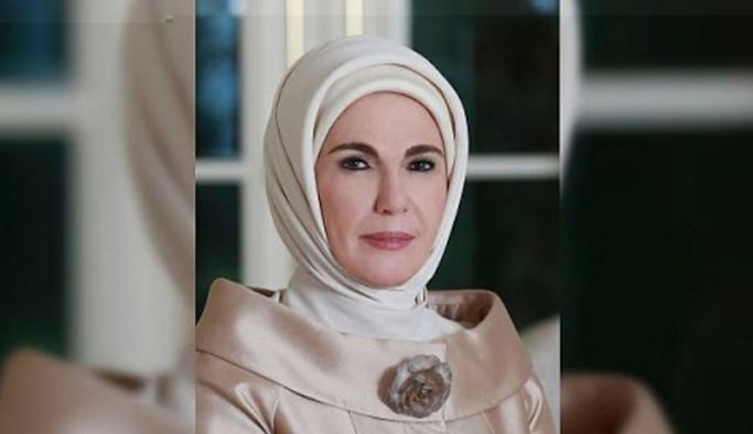 Oya Baydar: 'Cumhurun başı olan kişinin karısı'na açık mektup