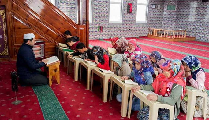 Valilikler Kur'an kurslarında yüz yüze eğitimin başlaması için izin vermeye başladı