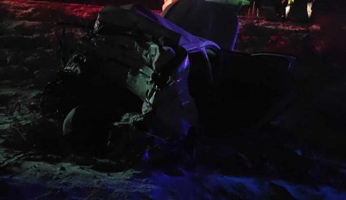 Yolcu otobüsü duran araca çarptı: 5 ölü, 38 yaralı