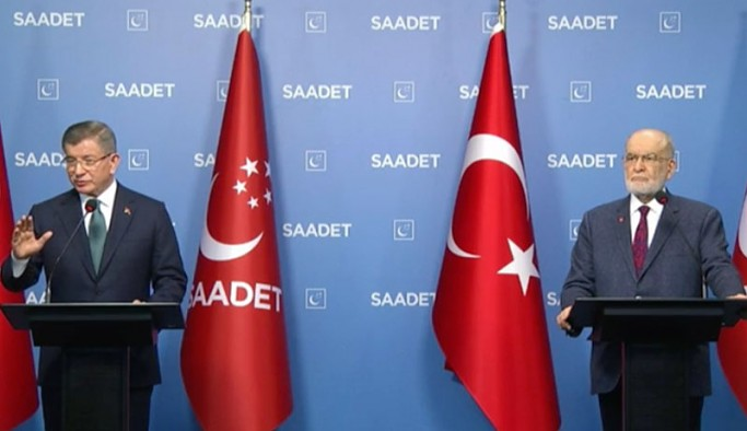 Karamollaoğlu ile ortak açıklamada konuşan Davutoğlu'ndan 'fezleke' çıkışı: Bu bir siyaset mühendisliği