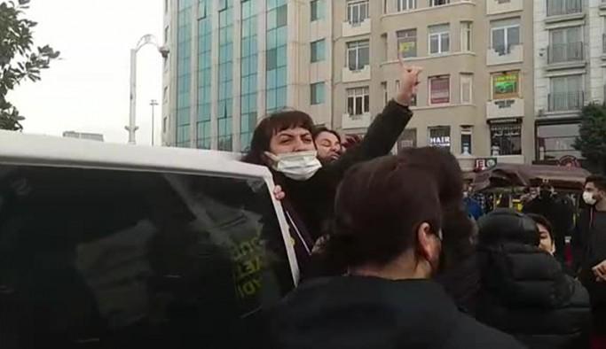 Taksim'deki kadın eylemine polis müdahale etti