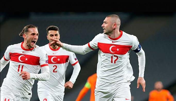Türkiye, Hollanda engelini Burak Yılmaz ile aştı