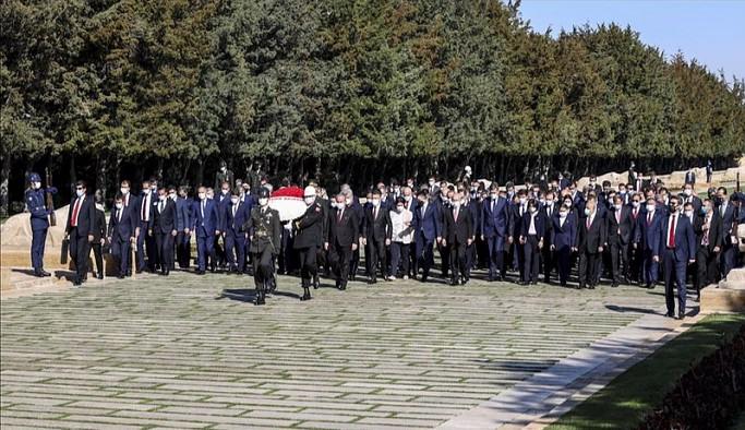 Cumhurbaşkanı Erdoğan ve Bahçeli 23 Nisan törenine katılmadı