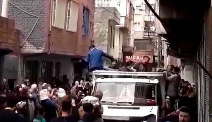 Diyarbakır Valiliği'nden patates izdihamına 'provokasyon' savunması