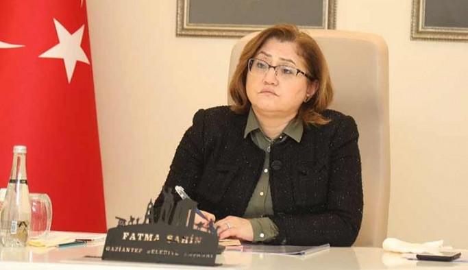 Fatma Şahin'den 'yurt dışına insan gönderme' iddiası hakkında suç duyurusu