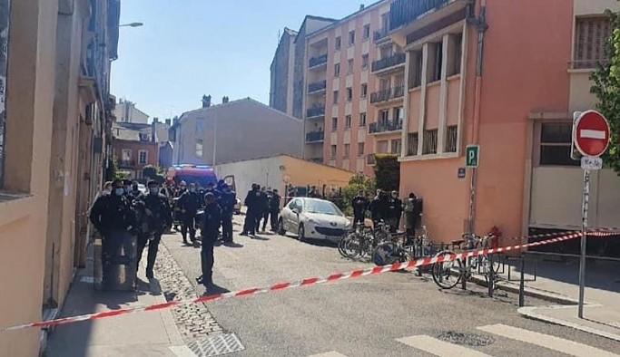Fransa'da Kürt Kültür Derneği'ne saldırı: 4 yaralı