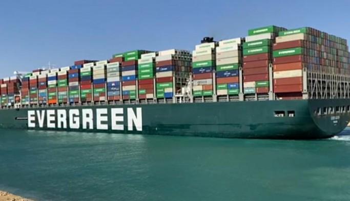 Mısır, kanalı tıkayan geminin bağlı olduğu firmadan tazminat isteyecek