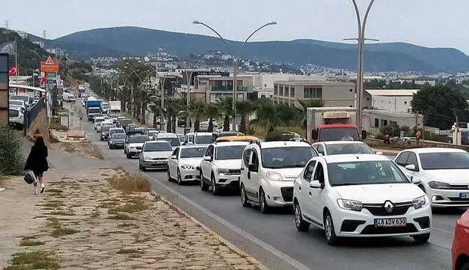 'Tam kapanma' öncesi Bodrum'a tatilci aktı
