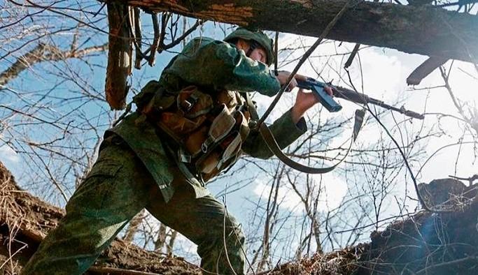 Ukrayna: Donbass'ta 2 asker ve 1 sivil yaralandı