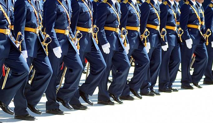 Yargıtay, 37 askeri öğrenci hakkında verilen mahkumiyet kararını bozdu