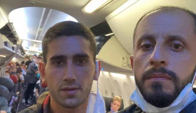 30 mülteci zorla uçağa bindirilerek Türkiye'ye gönderiliyor