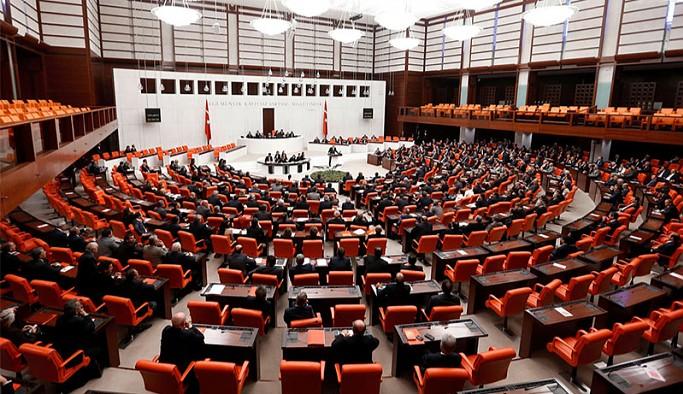 Borç yapılandırmasını içeren AKP'nin yeni kanun teklifi TBMM'ye sunuldu