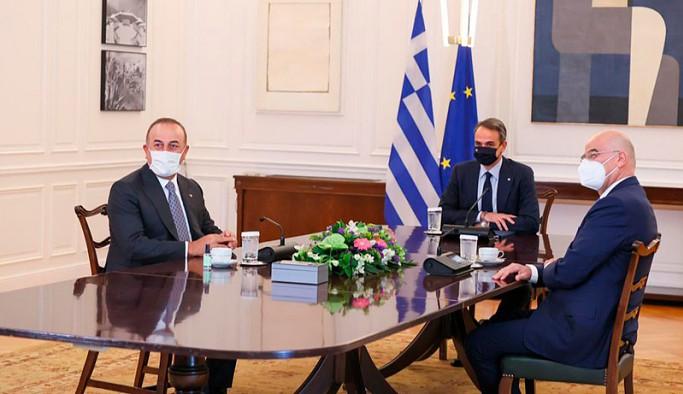 Çavuşoğlu, Yunanistan'da Miçotakis'le görüştü