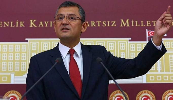 CHP'li Özel'den 'cüppe ve takkeli amiral' tepkisi: 15 Temmuz'dan ders alınmadığının kanıtı