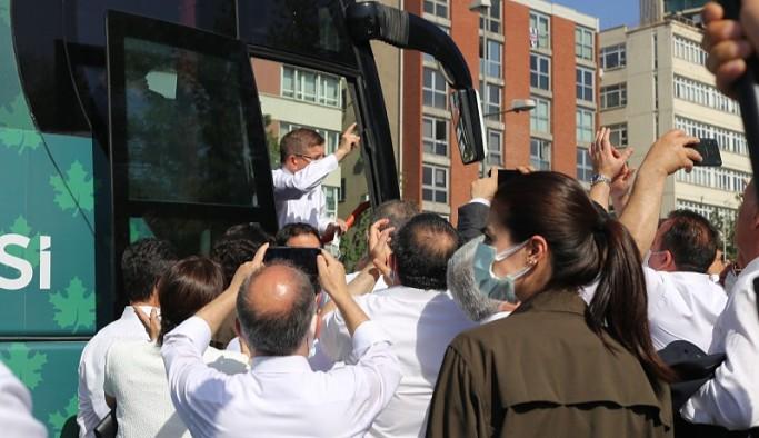 Davutoğlu, polis engeline rağmen 'temiz siyaset' çağrısını yineledi, 7 madde saydı
