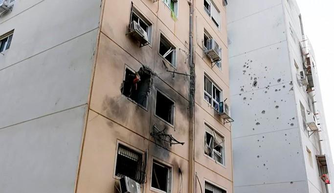 İsrail, Gazze'de sivillere ait binayı vurdu: Ölü sayısı 25'e yükseldi