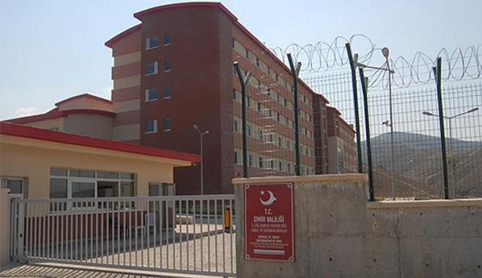 İzmir Harmandalı Geri Gönderme Merkezi'nde işkence iddiası: İki sığınmacıda darp izleri saptandı