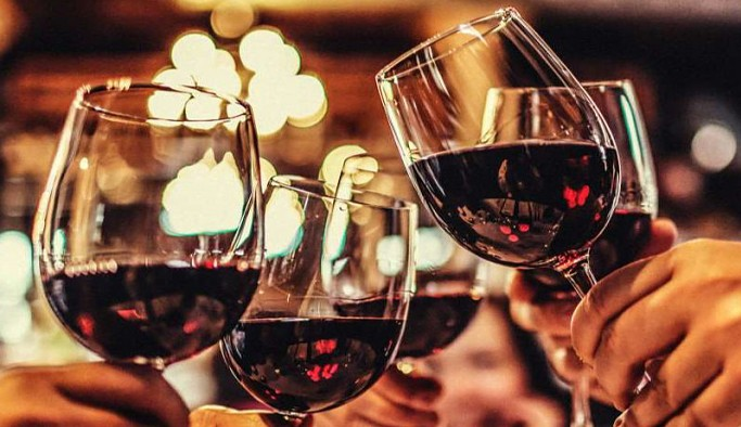Kaçak ve sahte ürünlere ilgi arttı, yüzde 30'a ulaşan sahte içki üretimi sanayileşti