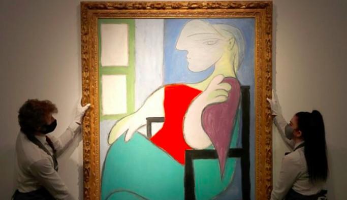 Picasso'nun 'Pencerenin yanında oturan kadın' tablosu 103 milyon dolara satıldı
