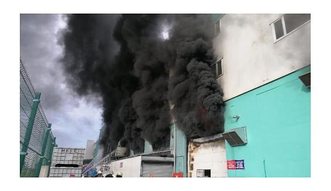 Silivri'de fabrikada yangın paniği