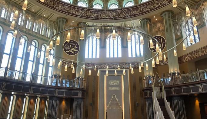 Taksim'de yapılan cami, cuma günü açılıyor