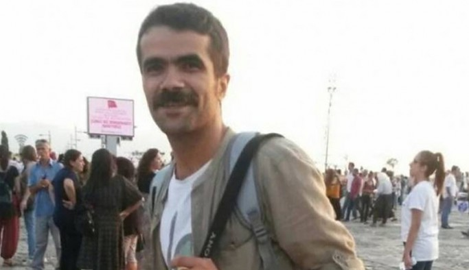 Tutuklu gazeteciye gazete kupürleri biriktirmekten hapis cezası