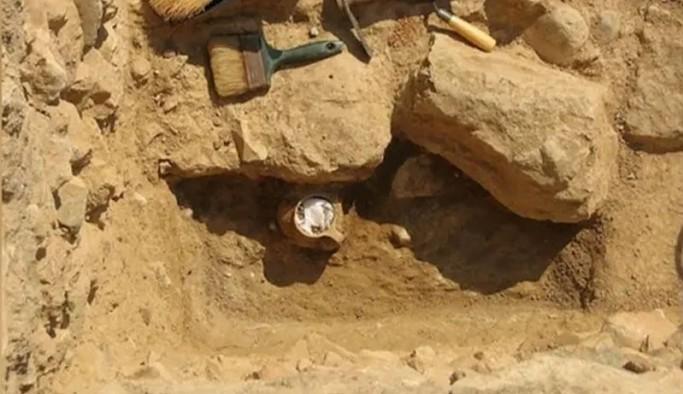 55 kişiyi lanetleyen 2300 yıllık kara büyü bulundu