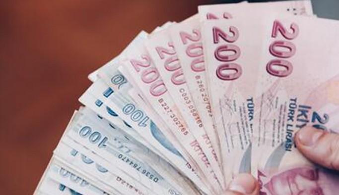 Bir AKP'linin daha 'çift maaş' aldığı belgelendi