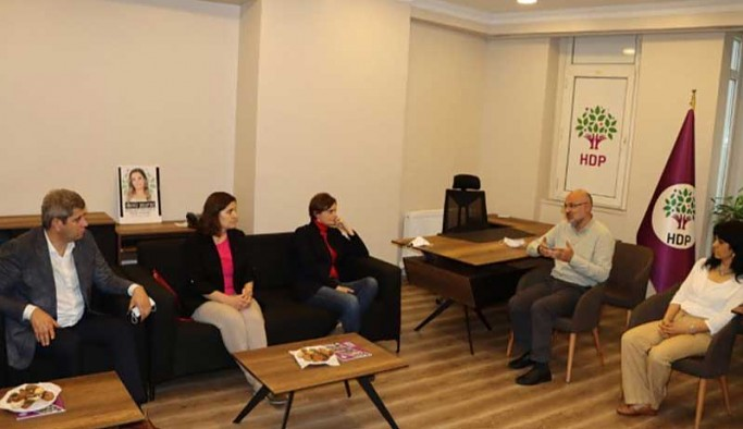 CHP'li Kaftancıoğlu'ndan HDP'ye başsağlığı ziyareti
