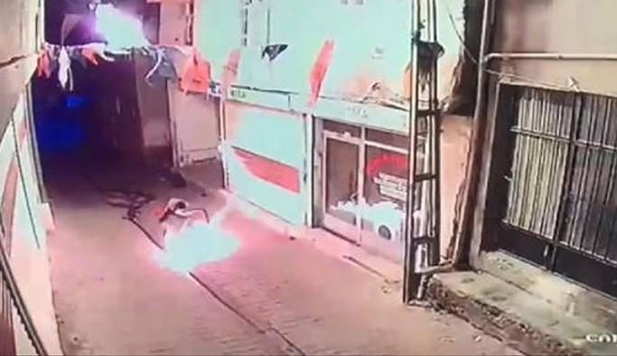 Diyarbakır'da AKP ilçe binasına molotof kokteyli atıldı