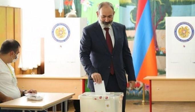 Ermenistan'daki erken parlamento seçimlerinde Paşinyan'ın partisi ilk sırada