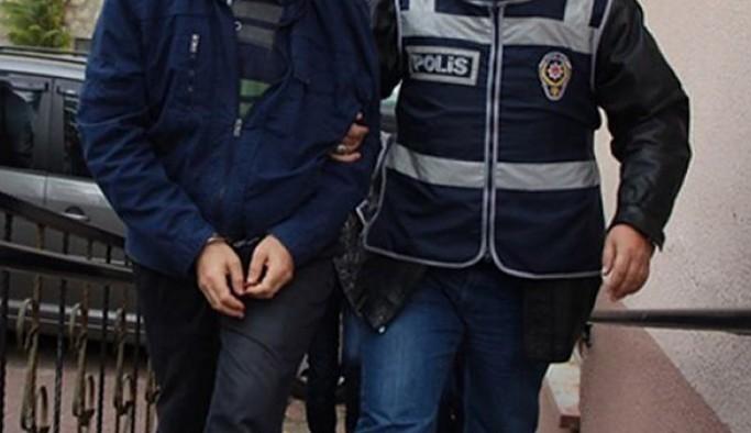 Evi basılarak gözaltına alınan 5 kişi tutuklandı