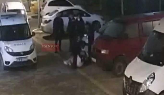 İstanbul'da bir kadın polisler tarafından yere yatırılarak darp edildi