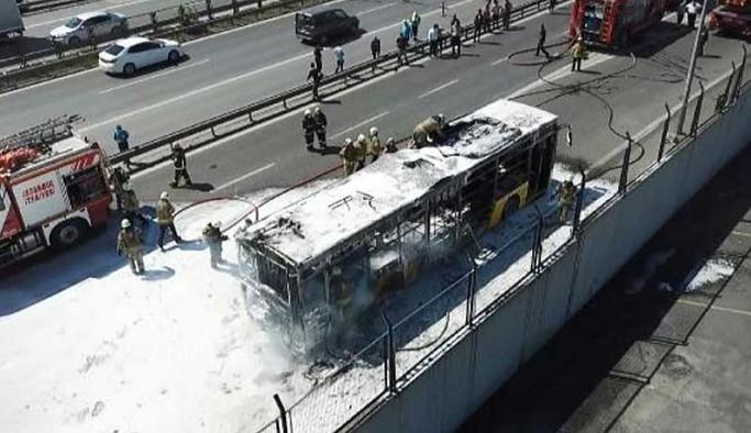 İstanbul'da halk otobüsü yandı