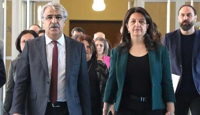 'Kapatma' iddianamesine HDP'den ilk tepki: Suça batmış ittifakınızı temize çıkaramazsınız