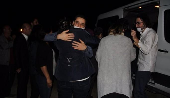 Kobane Davası'nda tahliye olanlar cezaevinden çıktı
