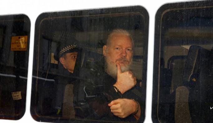 McAfee'nin ölümünün ardından Snowden'dan Assange'a uyarı: 'Sıradaki sen olabilirsin'