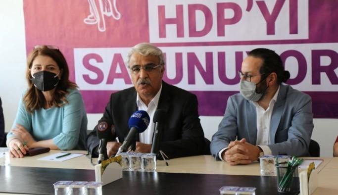 Sancar'dan 'kapatma iddianamesi' açıklaması: Hukuki değil, çöptür